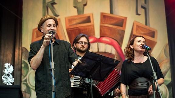 Alpenklezmer beim RUTH-Preisträgerkonzert in Rudolstadt 2014 - Lorin Sklamberg, Andrea Pancur und Ilya Shneyveys (von links)