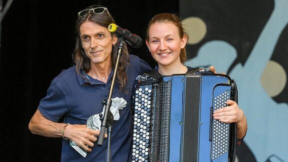Dine Doneff und Maria Dafka bekommen auf dem Rudolstadt-Festival 2018 den RUTH-Förderpreis