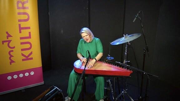 Maija Kauhanen, Studiosession