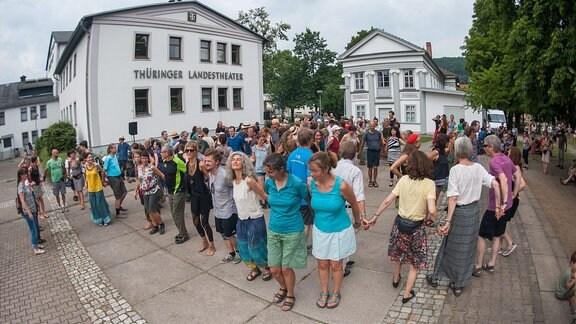 Rudolstadt Festival 2017: Tanzen auf dem Theatervorplatz