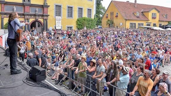 Wenzel beim Konzert auf der Heidecksburg
