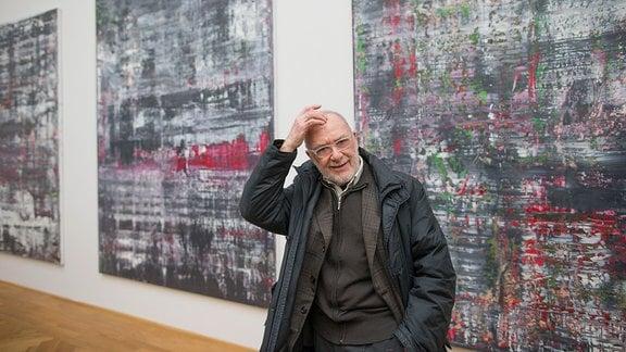 Der Maler Gerhard Richter am 25.02.2015 bei einem Pressetermin mit seinen Bildern im Albertinum von Staatliche Kunstsammlungen Dresden.