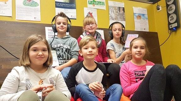 Die Wachbleibeparty in der Schulbibliothek der Grundschule Weimar-Schöndorf