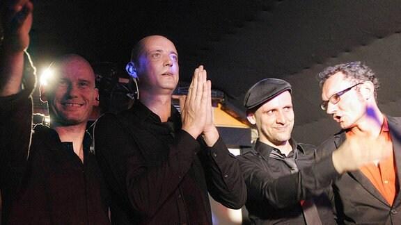 V.l.n.r.: Gitarrist Chris Hinze, Sänger Kai-Uwe Kohlschmidt, Schlagzeuger Lars Neugebauer und Bassist Tilman Fürstenau (alle Sandow)