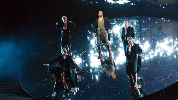 Szene aus Faust - Inszenierung von Enrico Lübbe 2018, Schauspiel Leipzig