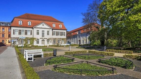Prinzessinnenhaus in Köthen am Schlossplatz mit Marstall im Stadtzentrum von Köthen.