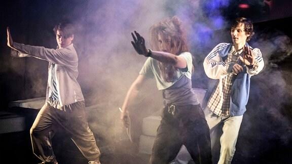 """Darsteller auf Bühne - Inszenierung """"Tschick"""" (2016)"""