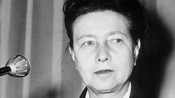 Simone de Beauvoir, undatierte Aufnahme.
