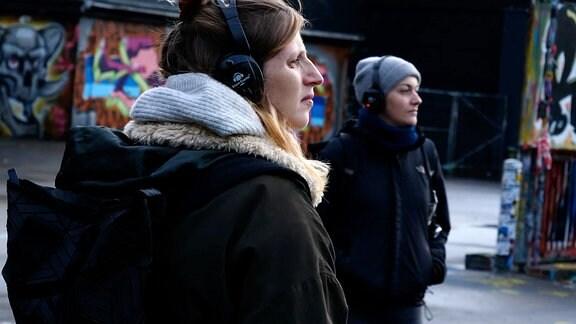 junge Menschen mit Kopfhörer