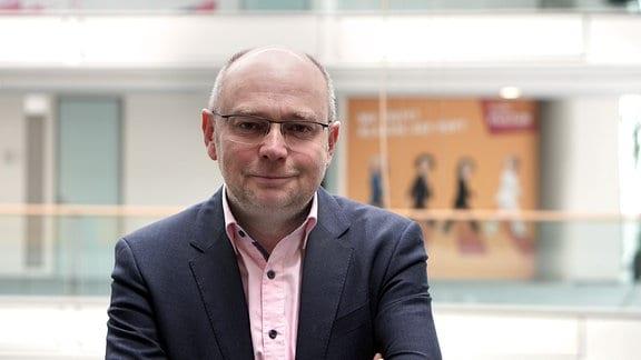 Tim Herden, Studioleiter des MDR Fernsehens im ARD-Hauptstadtstudio und Krimi-Autor