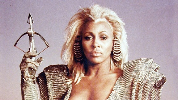 Tina Turner als Entity in Mad Max 3
