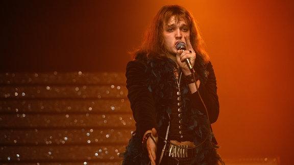 Filmszene - Udo (Jan Bülow) performt Andrea Doria.