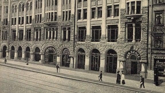 Leipzig Sachsen, Straßenpartie am Volkshaus, um 1935 (AUFNAHMEDATUM GESCHÄTZT!)
