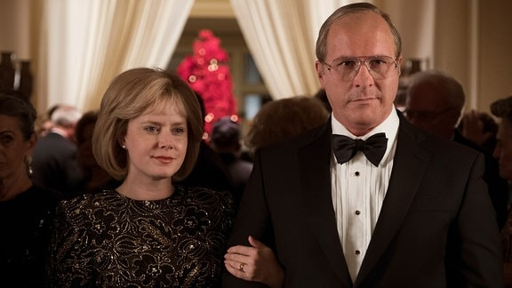 Amy Adams als Lynne Cheney and Christian Bale als Dick Cheney - Filmszene: Vice