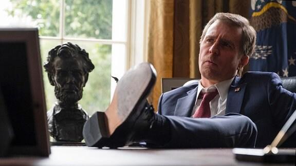 Sam Rockwell als George W. Bush - Filmszene: Vice