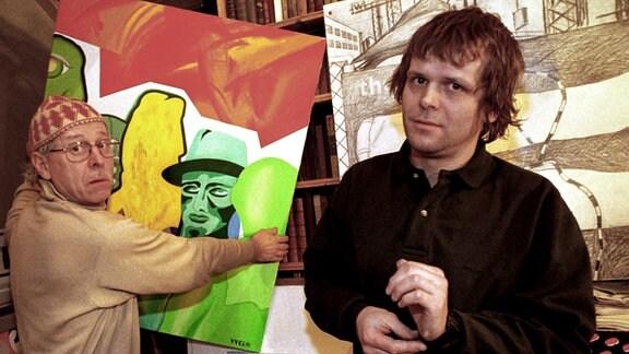 Maler Wasja Goetze (li.) und Sohn Moritz im Atelier des Vaters.
