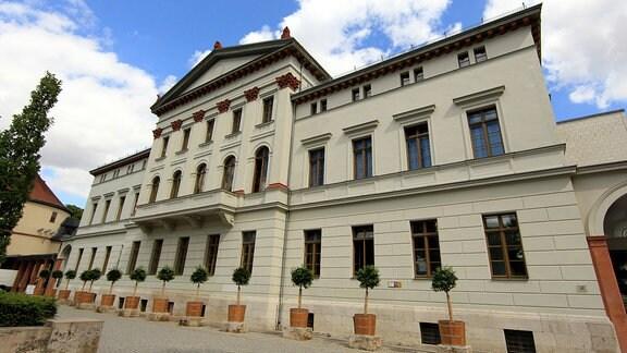 """Jugend- und Kulturzentrum """"mon ami"""" Weimar"""