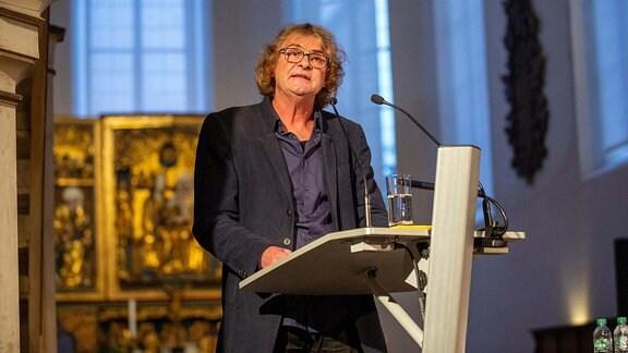 Hans-Eckart Wenzel hält 6. Kamenzer Rede mit dem Titel DIE MISSLUNGENE ERZIEHUNG DES MENSCHENGESCHLECHTS in der Klosterkirche und Sakralmuseum Sankt Annen in der Lessingstadt Kamenz.