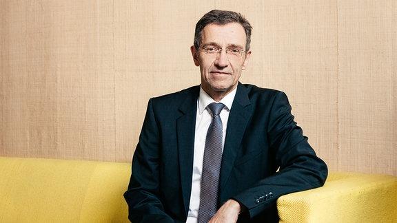 Prof. Winfried Speitkamp