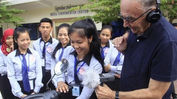 "Autor Wolfgang Bauernfeind am ""Technical College, Don Bosco"" in Kep im Süden Kambodschas"
