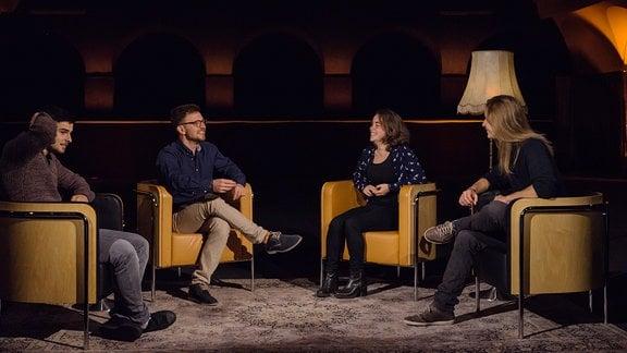 v.l.n.r.: Jonas Hönicke (Aufsteiger), Dominik Braun (Moderator), Karina Stützel (Aussteigerin) und David Leubner (Einsteiger).