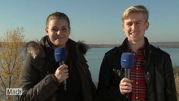 Moderatoren Louisa Mennerich und Tobias Jahns