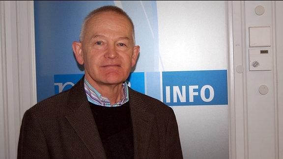 Politikwissenschaftler Everhard Holtmann aus Halle bei MDR INFO