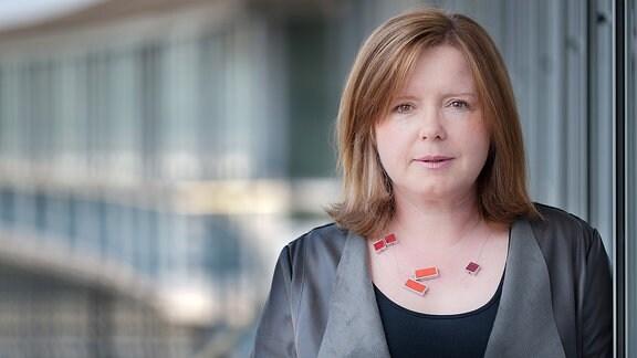 Angela Tesch, Redakteurin und Moderatorin