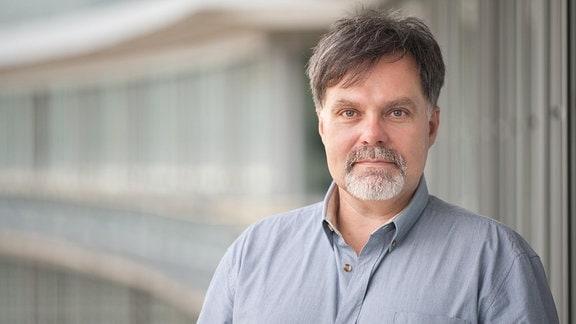 Peter Beddies, Redakteur, Autor und Moderator