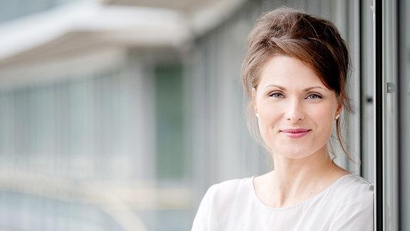 Carolin Voigt, Nachrichtenredakteurin und -sprecherin, Redakteurin Online und Social Media