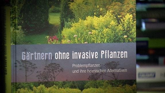 Buch: Gärtnern ohne invasive Pflanzen
