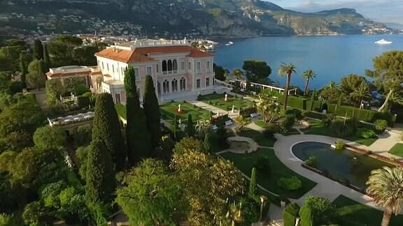 Villa Ephrussi mit Garten
