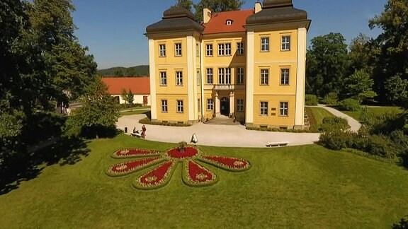 Schloß mit Garten