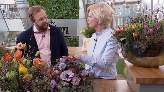 MDR Garten Moderator im Gespräch mit Kathrin Katt