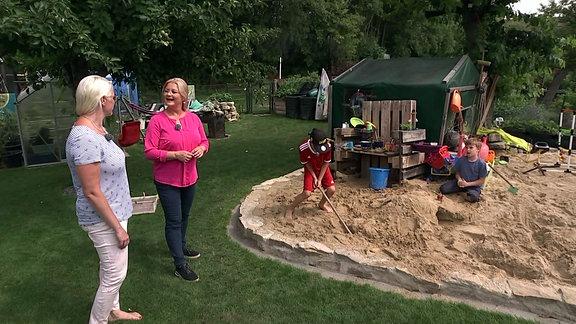 Diana auf Besuch in Familie Dunkels Garten