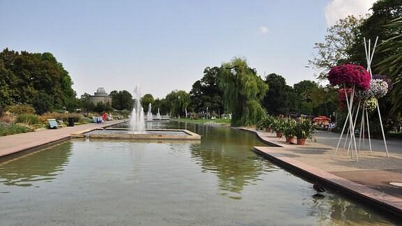 Springbrunnen und Wasserbecken im egapark Erfurt