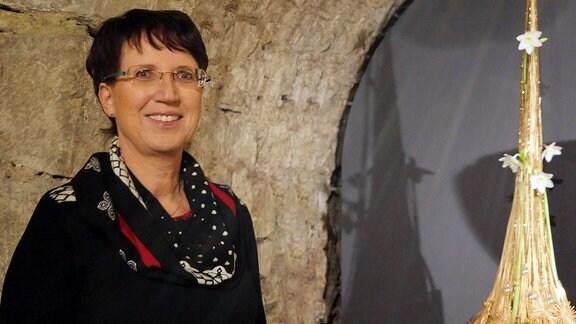 Cornelia Squara, Florismeisterin und Verantwortliche der Ausstellung Florales zur Weihnachtszeit im Domfelsenkeller Erfurt