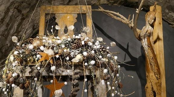 Weihnachtliche Dekoration in der Ausstellung Florales zur Weihnachtszeit im Domfelsenkeller Erfurt