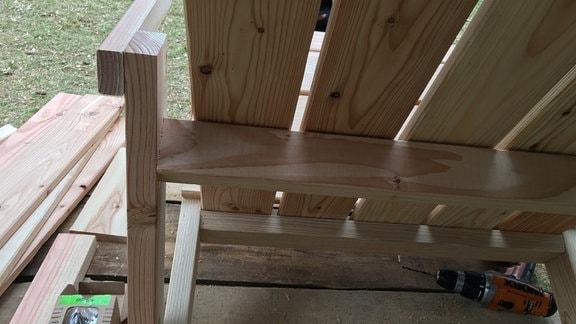 Bauanleitung für einen Stuhl Dackchair