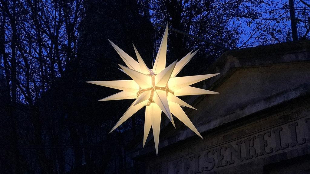 Herrnhuter Stern Und Co Traditioneller Lichterglanz Zur