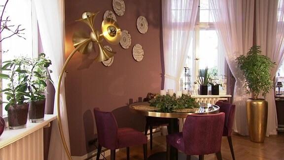 Esszimmer-nachher - Ein Esszimmer in einer Quedlingburger Villa mit Zimmerpflanzen