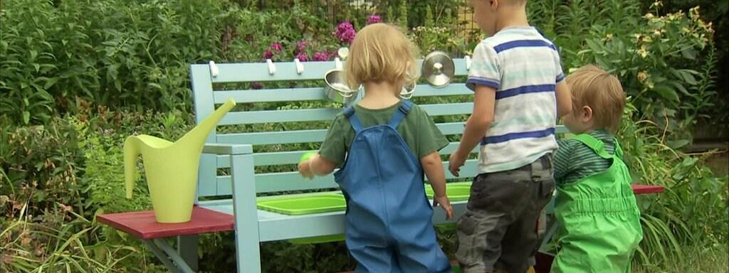 Eine Matschkuche Fur Kinder Im Garten Bauen Mdr De