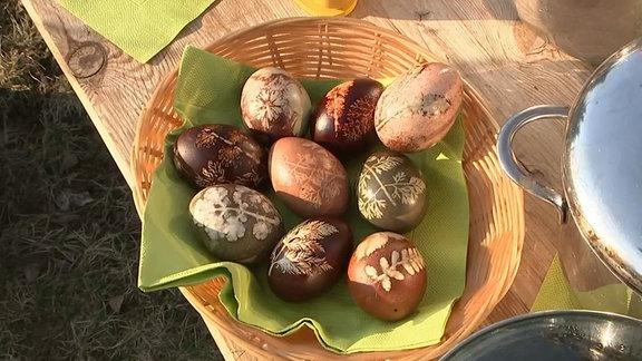 Ostereier in einer Schale