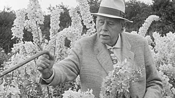 historische schwarz-weiß Aufnahme des Staudenzüchters Karl Foerster