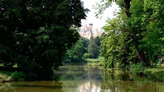 Schloss Lednice mit Park.