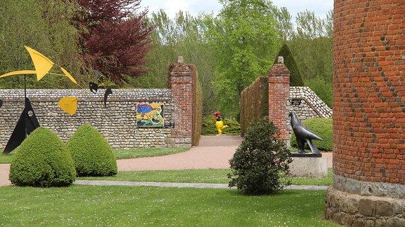 Skulpturen im Parc Vascoeuil in Frankreich.