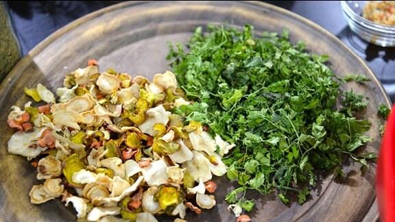 Getrocknete Kräuter und Gemüse