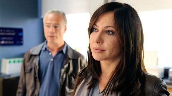Wo steckt Anna Römer? Eva Saalfeld (Simone Thomalla) und Max Ballauf (Klaus J. Behrendt) gehen im Kölner Kommissariat den Fall nochmal durch.