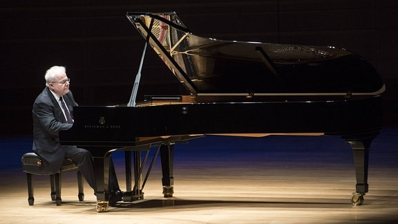 Emanuel Ax am Piano