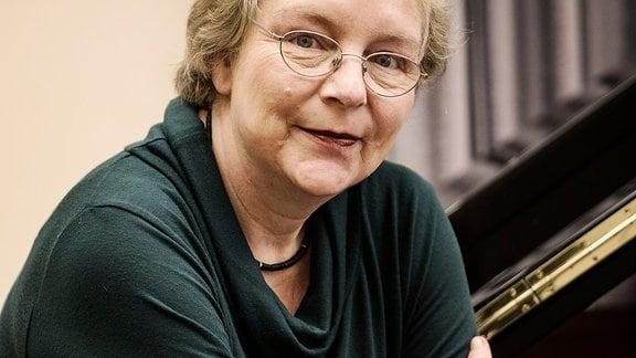Porträt von Gerlinde Otto, Vorsitzende der Jury des Liszt-Wettbewers Weimar-Bayreuth